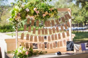 Picture Escort Seating Card Display (includes Cameras)