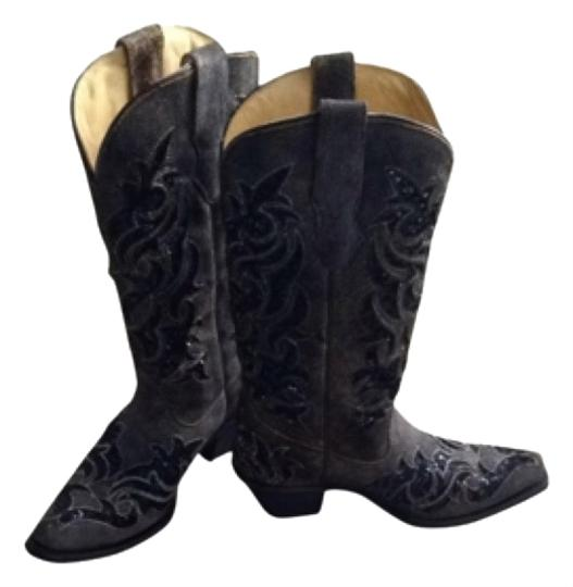 Preload https://img-static.tradesy.com/item/9647392/corral-boots-bootsbooties-size-us-7-regular-m-b-0-1-540-540.jpg
