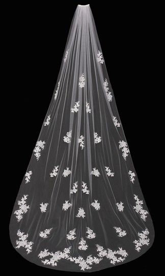 Preload https://item5.tradesy.com/images/envogue-bridal-white-long-cathedral-lace-with-beaded-lace-appliques-veil-9649564-0-0.jpg?width=440&height=440