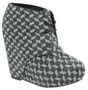 Steve Madden Black and white snake print Boots