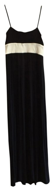 Preload https://item4.tradesy.com/images/iisli-black-and-white-effortlessly-chic-sophisticated-long-casual-maxi-dress-size-4-s-9650563-0-1.jpg?width=400&height=650