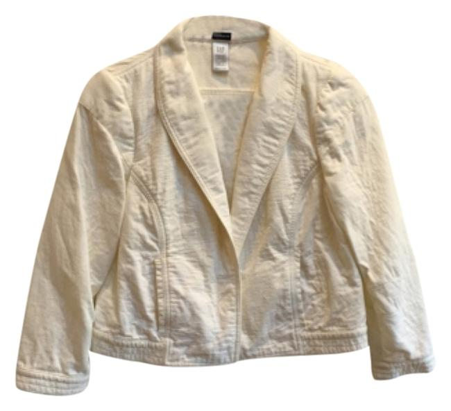 Preload https://img-static.tradesy.com/item/9650890/gap-versatile-little-white-jacket-from-france-blazer-size-6-s-0-1-650-650.jpg
