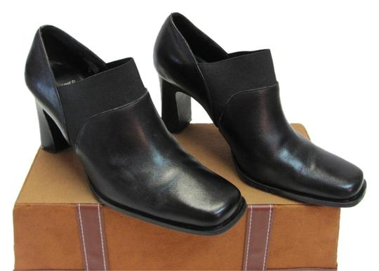 Preload https://item5.tradesy.com/images/mootsies-tootsies-black-m-leather-very-good-condition-bootsbooties-size-us-65-regular-m-b-9652639-0-1.jpg?width=440&height=440
