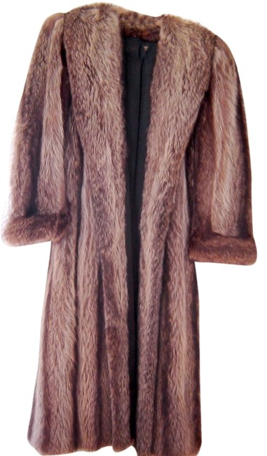 Preload https://img-static.tradesy.com/item/9654208/browns-elegant-japanese-tanuki-raccoon-coatsize-small-fur-coat-size-6-s-0-1-650-650.jpg