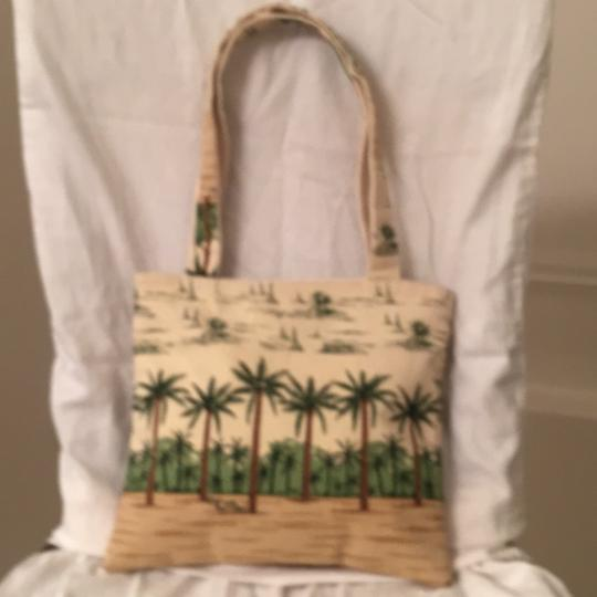 Paul Brent Beach Beach Weekend/Travel Kid's Shoulder Tote in White Green Multi