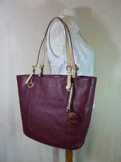 Michael Kors Tote in Burgundy