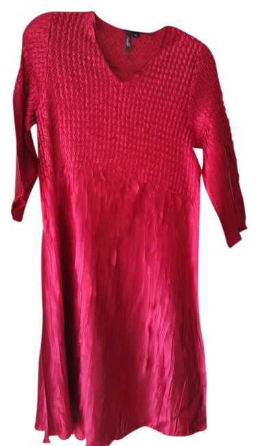 Preload https://item5.tradesy.com/images/essentials-by-milano-cherry-red-stretchy-solid-tunic-size-12-l-9657019-0-1.jpg?width=400&height=650