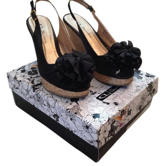 Preload https://item1.tradesy.com/images/chinese-laundry-black-wedges-966110-0-0.jpg?width=440&height=440