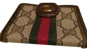 5cec78c780a Added to Shopping Bag. Gucci RARE Vintage GUCCI GG Monogram Red Green Stripe  Credit Card Holder Wallet