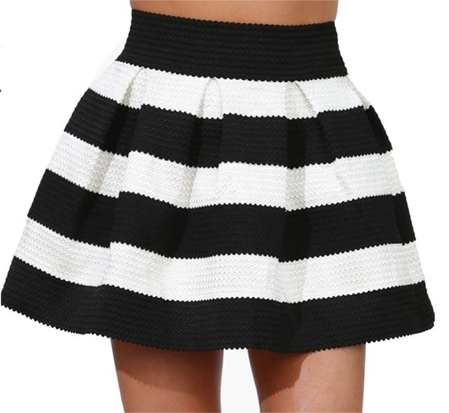 Item - Black / White Stripe Bandage Bell Skirt Size 0 (XS, 25)