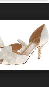 Kate Spade Ivory and Gold New York Satin Heel Bridal Pumps Size US 11