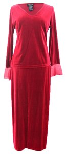 Willi Smith Willi Smith Woman Designer Red Velvet 2-Piece Skirt and Top Suit