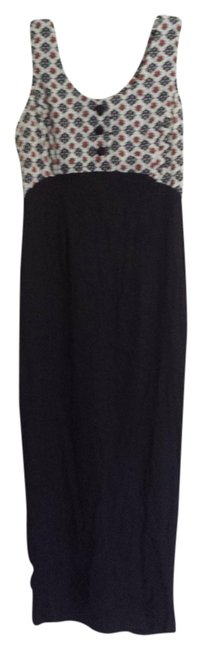 Preload https://img-static.tradesy.com/item/966972/black-white-and-red-long-casual-maxi-dress-size-6-s-0-0-650-650.jpg