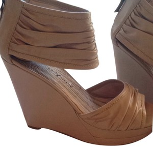 Modern Vintage Wedge Bone Beige Leather Soft Tan Sandals