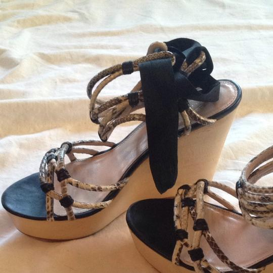 Elie Tahari Strappy Ankle Tie Special Event Creme / Black Wedges