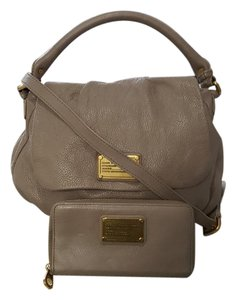Marc Jacobs Leather Taupe Hobo Shoulder Bag