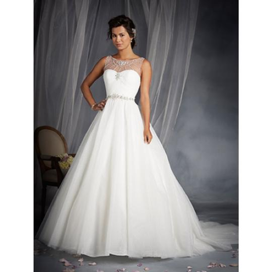 alfred angelo disney line wedding dress 35 off 9674629