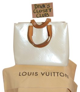 Louis Vuitton Patent Leather Tote in Perle