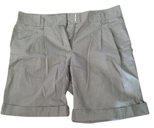 H&M Bermuda Shorts Green