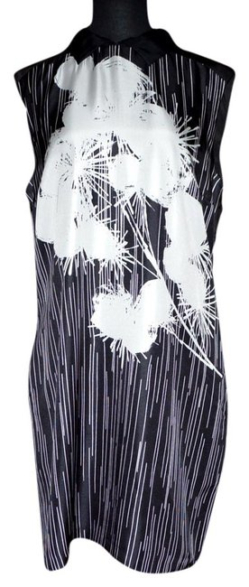 Preload https://item3.tradesy.com/images/black-white-knee-length-workoffice-dress-size-12-l-968577-0-0.jpg?width=400&height=650
