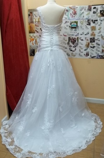 Alfred Angelo Diamond White 2240 Formal Wedding Dress Size 8 (M)