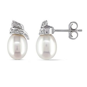 Amour 14k White Gold Cultured Freshwater Pearl And Diamond Stud Earrings G-h I1-i2