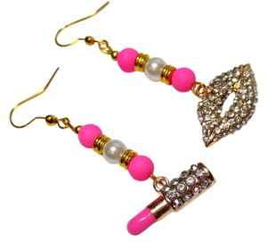 Other New Lipstick Lips Dangle Earrings Gold Tone Pink J1657