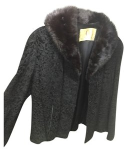 Outlet company of road island Fur Coat