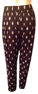 Forever 21 Capris Black with tan print