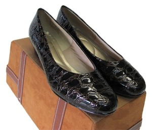 Hush Puppies Size 8.00 Wide Width Reptile Design Very Good Condition Dark Brown, Pumps