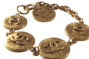 Chanel AUTH CHANEL 31.RUE CAMBON GOLD TONE CC LOGO ROUND CHAIN CHARM BRACELET FRANCE