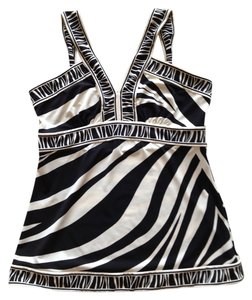 BCBGMAXAZRIA Zebra Tank Petite Top Black and White