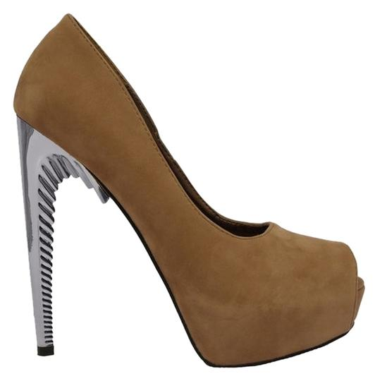 Red Kiss Taupe Pumps
