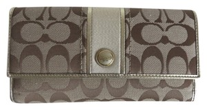 Coach Nwt Coach Khaki Jacquard Gold And Ivory Leather Wallet Checkbook Set