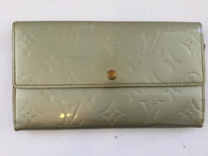 Louis Vuitton Louis Vuitton Silver Vernis Sarah Wallet with Coin Purse