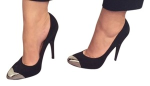 Sigerson Morrison Suede Pump Black with sliver tip Pumps