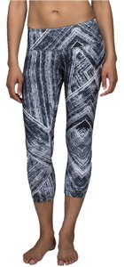 Lululemon Lululemon Wunder Under Crop II *Full-On Luon (Heat Wave Blk/Wht)