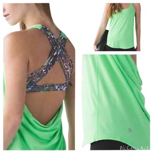 Lululemon New With Tags Lululemon Wild Tank Fswm Floral Green Size 6