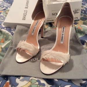 Manolo Blahnik Dorsay Satin And Feather White Pump Wedding Shoes