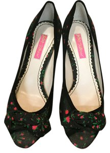 Betsey Johnson Black Pumps