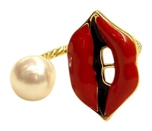 Anthropologie Lip & Pearl ring, one size