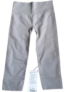 Lululemon New With Tags Lululemon Seamlessly Street Crop Gray Size 4