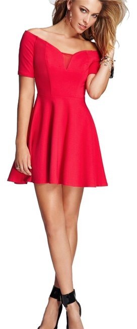 Item - Red Women's Off-the-shoulder Fit-and-flare Short Night Out Dress Size 12 (L)