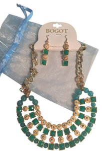 Bogot Bogot turquoise necklace and earring set