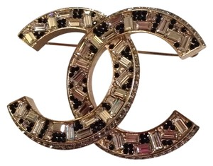 Chanel 2015 Cc Logo Gold Tone Crystal Brooch Pin