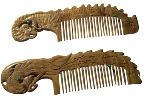 Comb Handmade Collectable dragon-peacock aromatic wood comb anti-static and hypoallergenic