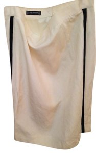 Louis Feraud, top French designer Skirt off white, or very light beige