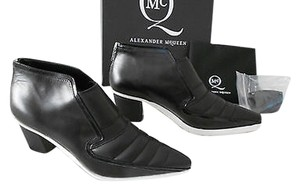 MCQ by Alexander McQueen Mixed Leather Treatments Edgy Black/White Boots