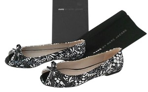 Marc by Marc Jacobs Peep Toe Floral Print Black Flats
