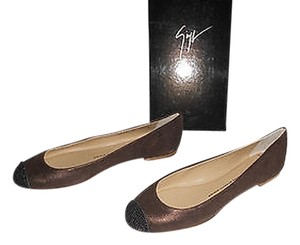 Giuseppe Zanotti Swarovski Accents Cap Toe Shimmer Finish Sueded Quality Made In Italy Brown Flats